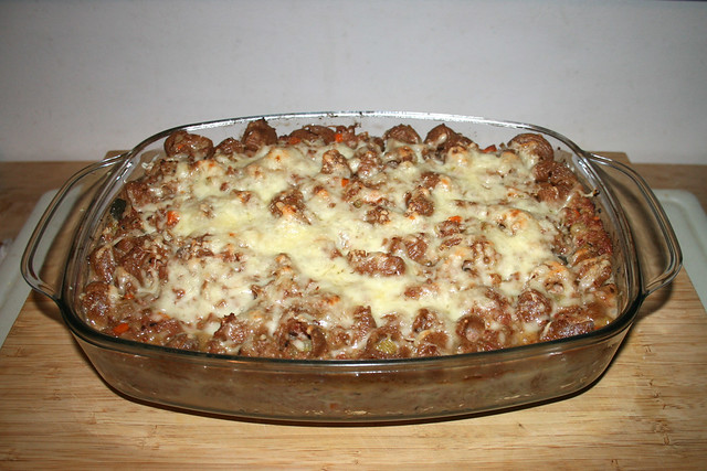 39 - Corned beef sauerkraut pasta bake - Finished baking / Corned Beef Sauerkraut Nudelauflauf - Fertig gebacken