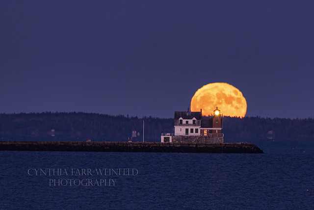 Spooky Blue Moon at Rockland Breakwater Light_8673