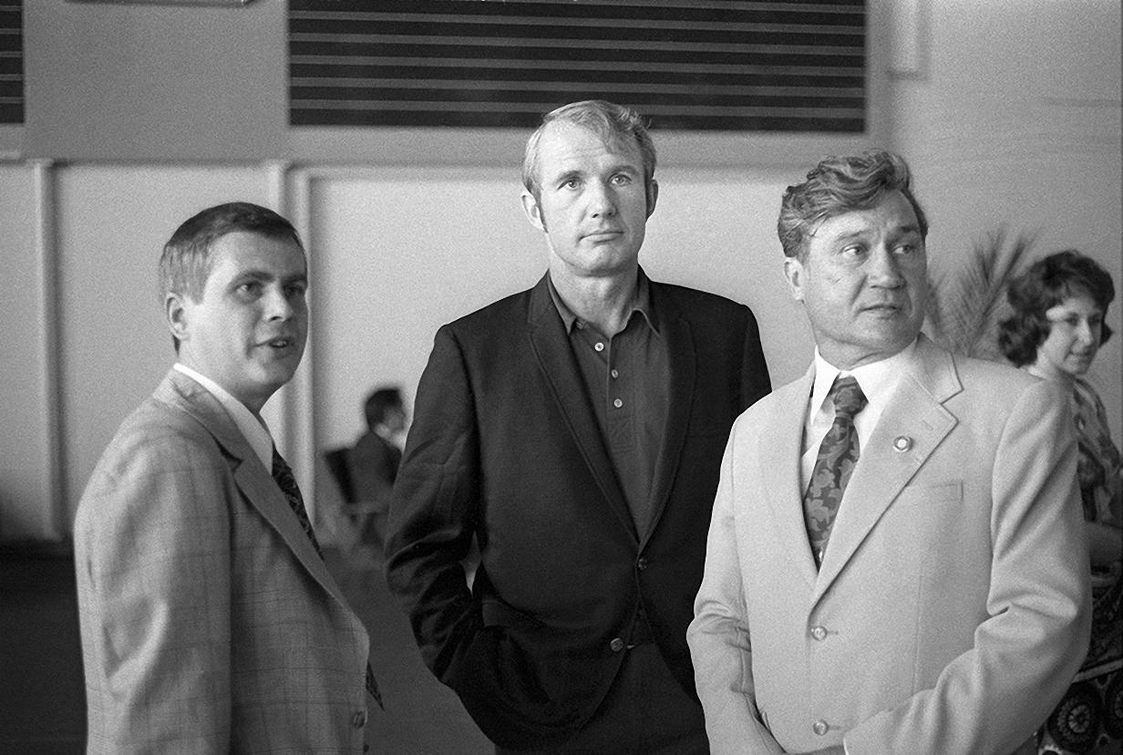 1974. Приезд американских астронавтов в СССР. В центре астронавт США Вэнс Бранд