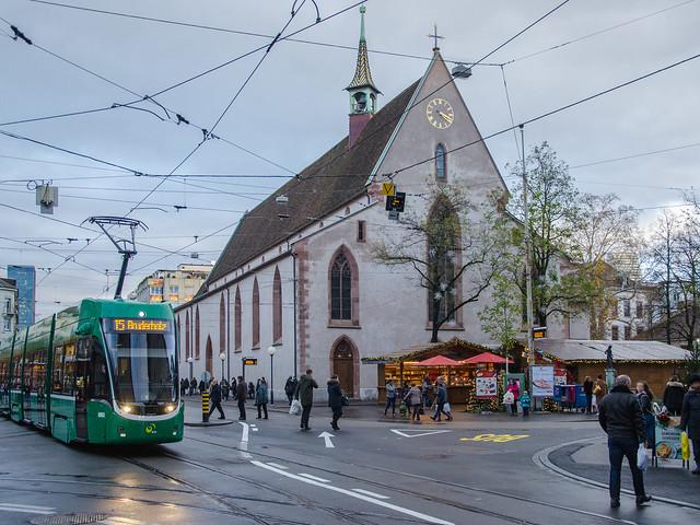 Église Sainte-Clara et ses chalets / Clarakirche und ihre Hütten