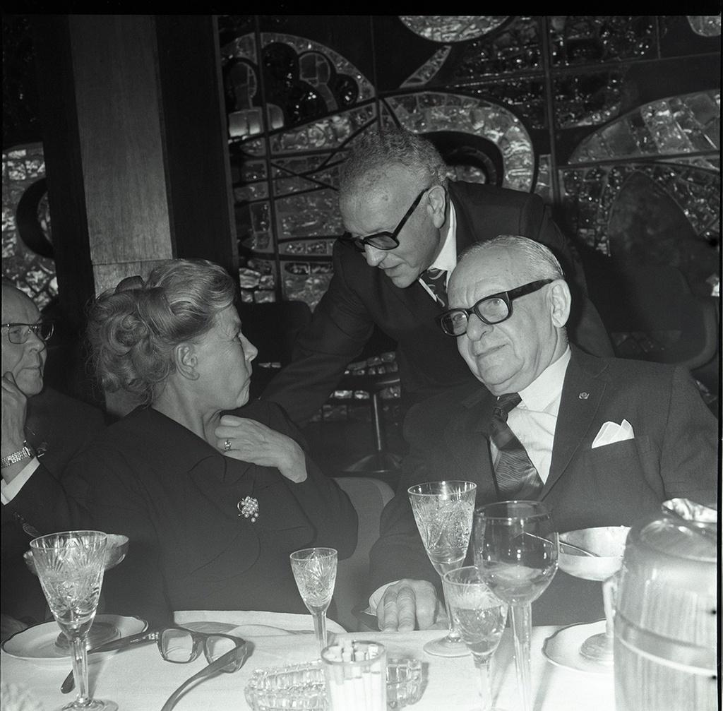 1972. Екатерина Фурцева и американский бизнесмен, филантроп и коллекционер живописи Арманд Хаммер