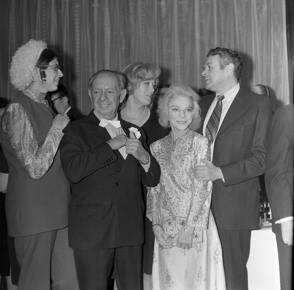 1971. Американский бизнесмен и филантроп Арман Хаммер и его жена Фрэнсис на приеме в свою честь