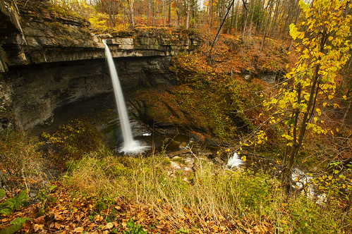 monday snow snowy snowing november fall autumn foliage waterfall water hike hiking outdoors adventure life nature landscape peaceful canon 2020 skaneateles flx