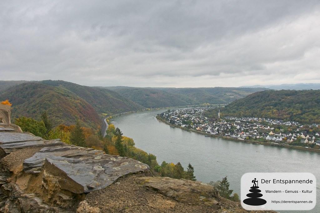 Mauerblick von der Marksburg auf Spay und den Rhein