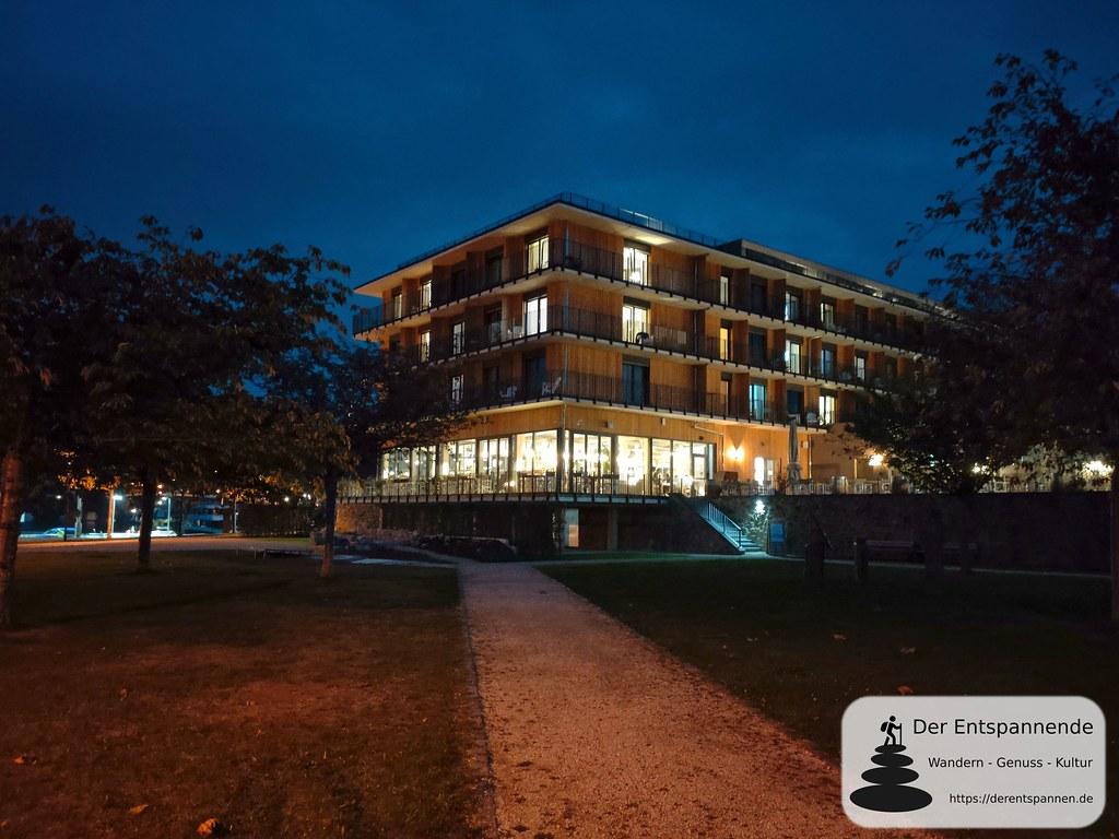 Hotel Papa Rhein (Bingen) im Abendlicht
