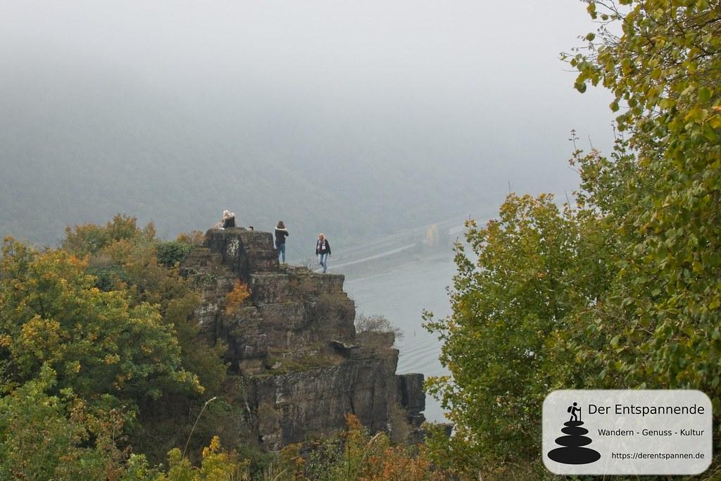 Spitznack: Felsformation am Rheinsteig mit atemberaubendem Ausblick auf das enge Rheintal