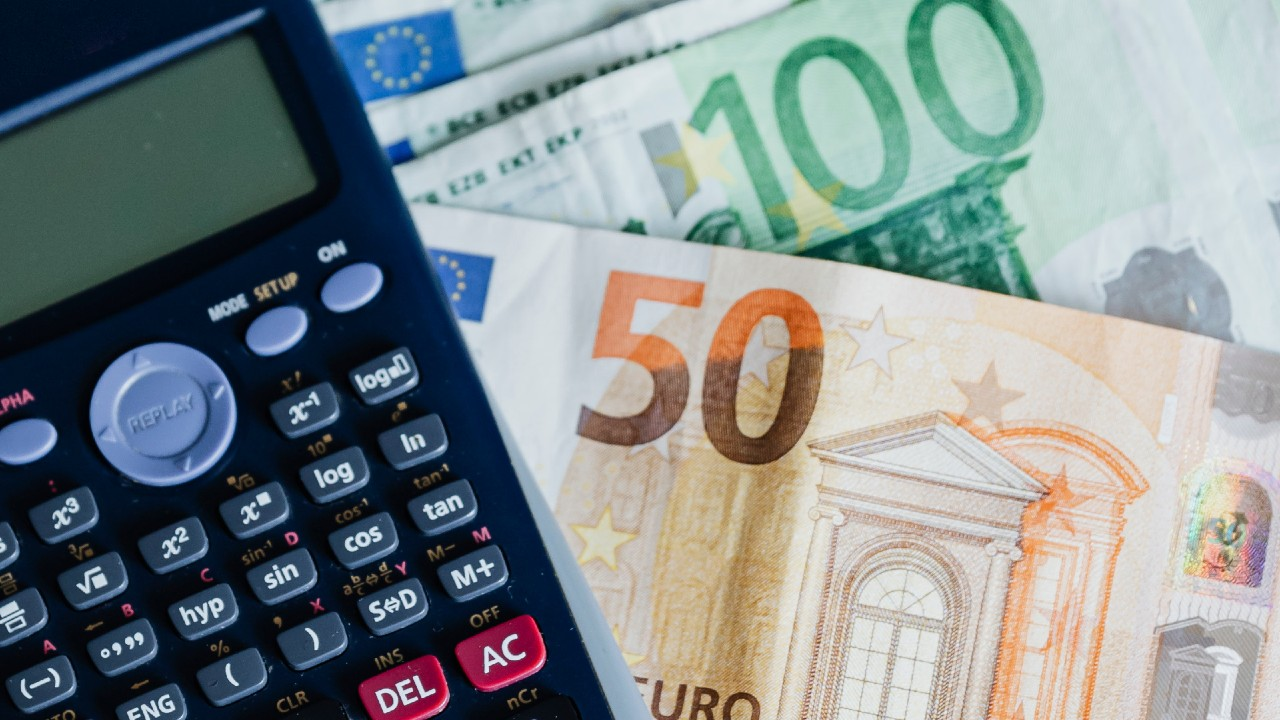 Calculator and Euro notes