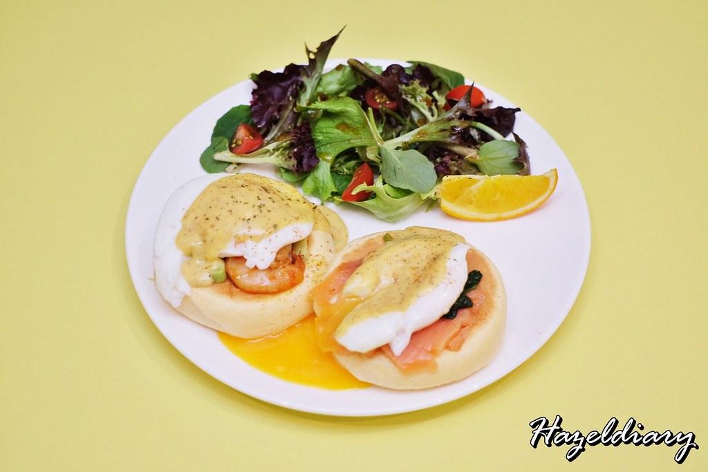 FLIPPER'S Singapore-Egg Benedict