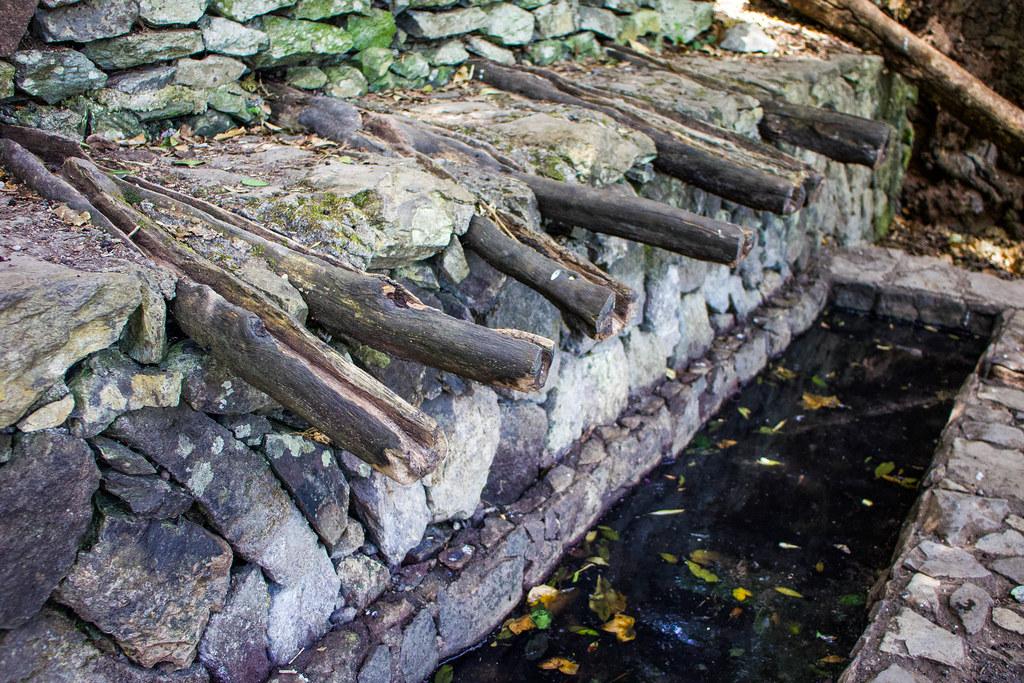 Caños de madera de los Chorros de Epina en La Gomera