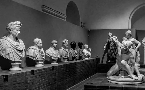 ROMA ARCHEOLOGICA & RESTAURO ARCHITETTURA 2020. Covid, positivo dipendente dei Musei Capitolini mostre e spazi chiusi per sanificazione. Il Messaggero (01/11/2020). Foto: Gianni de Dominicis, Dalla mostra dei marmi dei Torlonia / Facebook (27-30/10/2020)