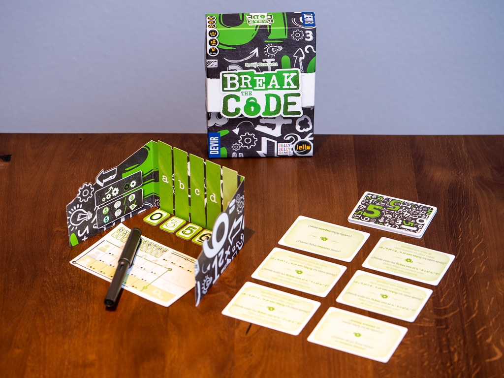 Break the Code boardgame juego de mesa