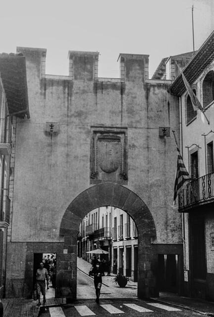 El Portal de Centelles / Centelles gate