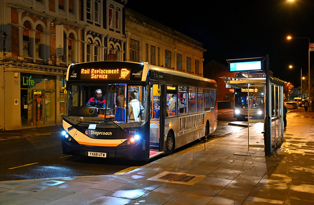 Stagecoach South West - YX68 UTW (37470) - Exeter, Queen Street