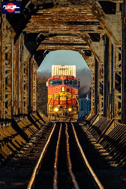 Westbound BNSF Intermodal Train at Sibley, MO