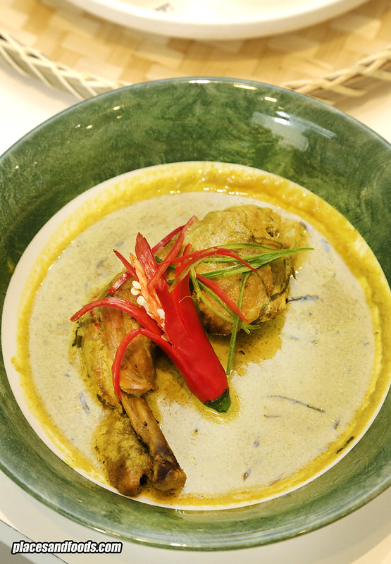 sarawak food the loaf ayam cili