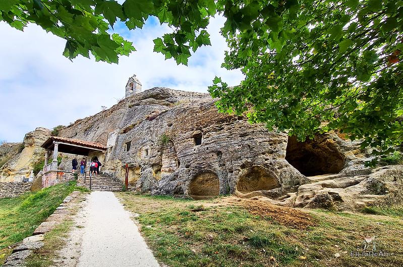 Iglesia rupestre dedicada a los Santos Justo y Pastor en Olleros de Pisuerga 2