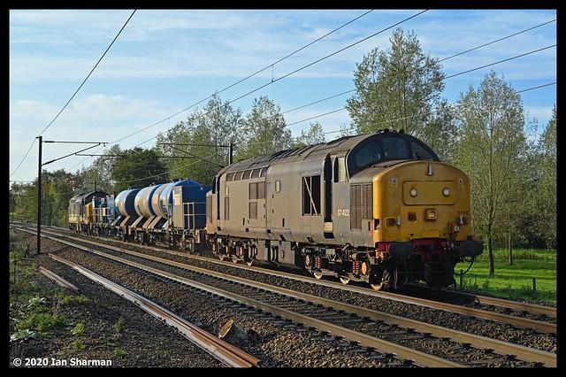No 37422 & No 37425 Robert McAlpine Concrete Bob 28th Oct 2020 Lancaster's Crossing Stowmarket