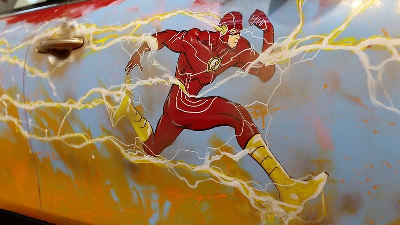 the-flash-themed-mini-cooper-se (1)