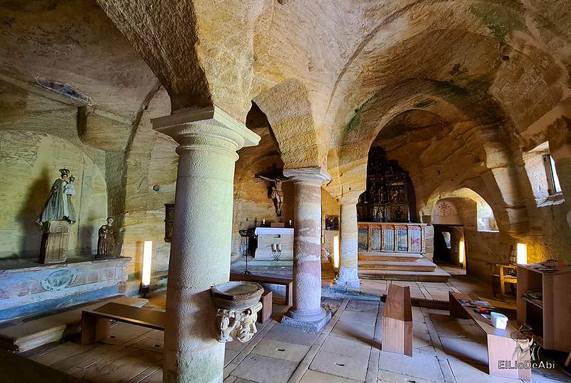 Iglesia rupestre dedicada a los Santos Justo y Pastor en Olleros de Pisuerga