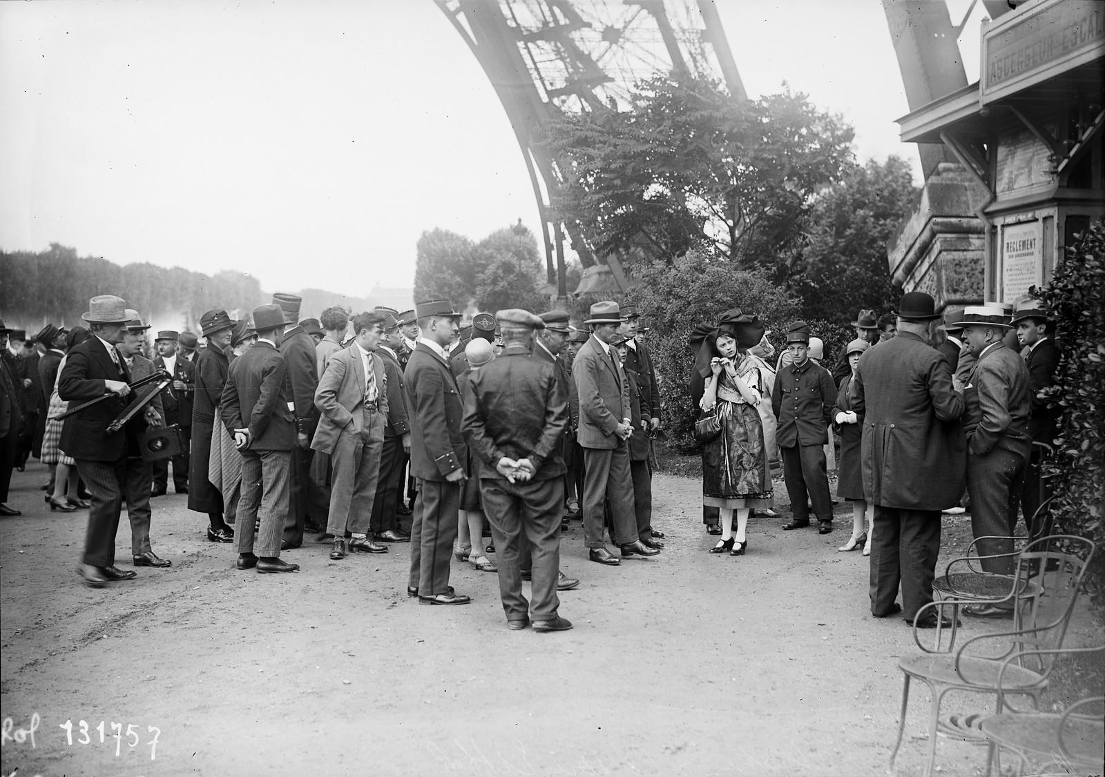 1928. «Harmony Argentoratum» у Эйфелевой башни