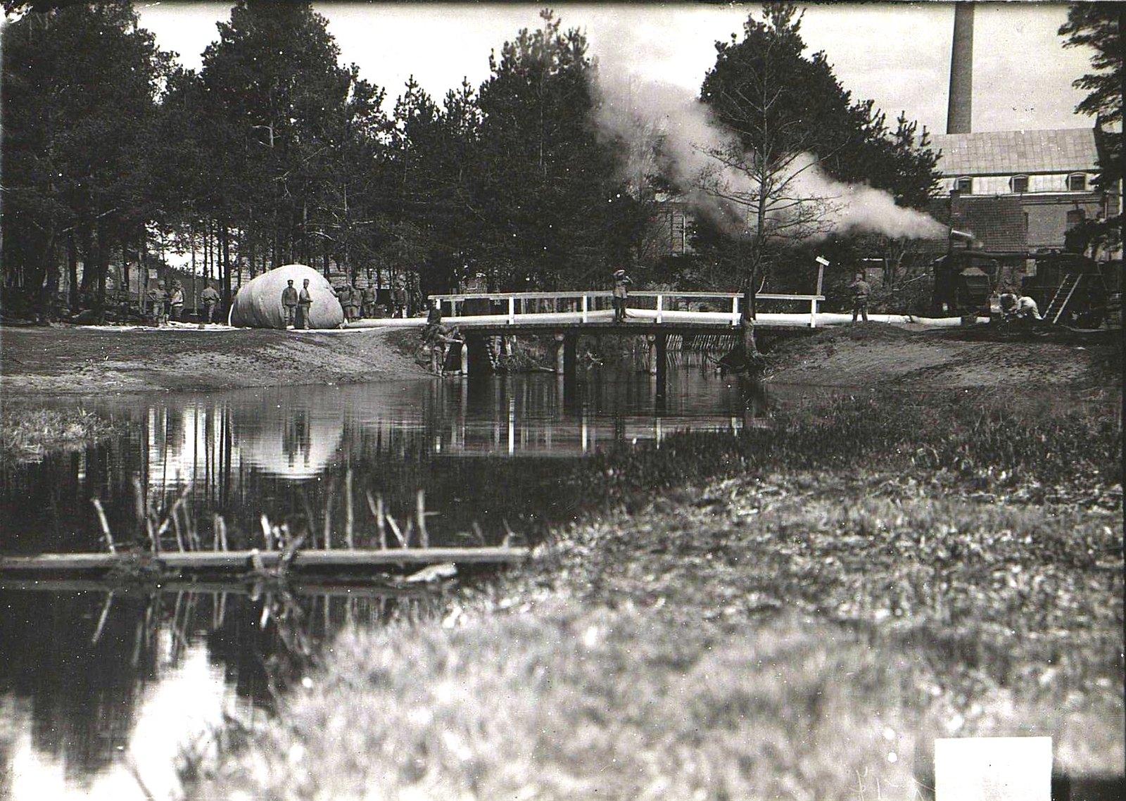 1917. Добыча газа для аэростатов.  5 мая