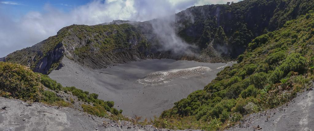 Le cratère de l'Irazzu... 50563686137_f2ce92dfb2_b