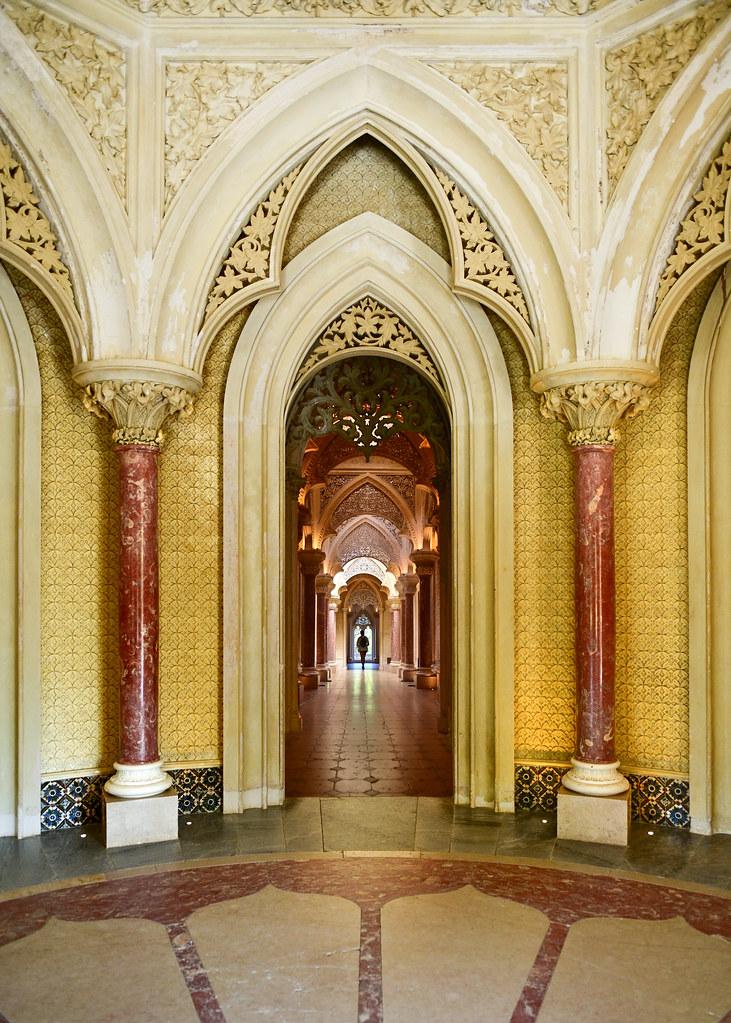 Interior del Palacio de Monserrate en los alrededores de Lisboa
