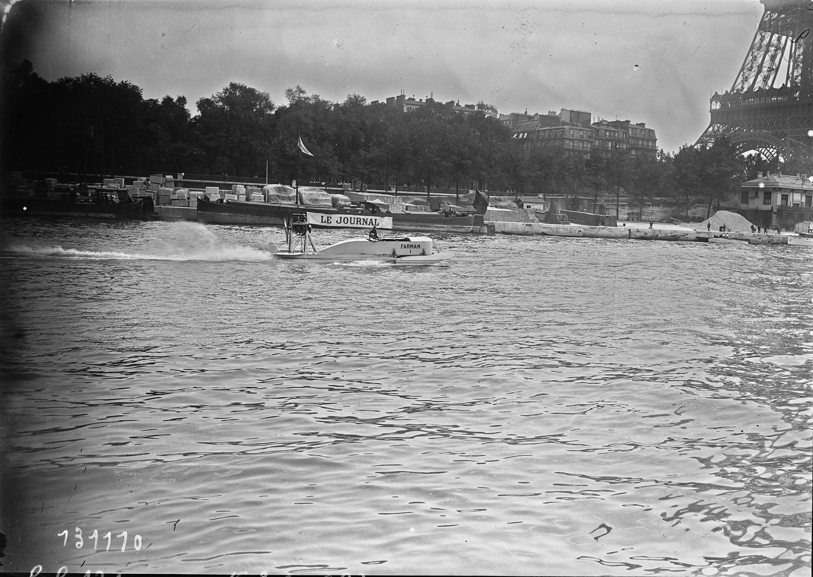 1928. Судно на подводных крыльях Фарман (водный фестиваль на Сене, недалеко от Эйфелевой башни). 14.07.