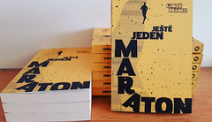 RECENZE: Ještě jeden maraton. Příjemné čtení do nepříjemné doby