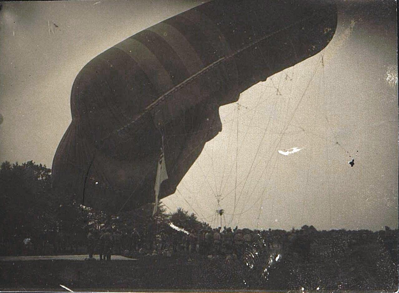 1916. Подъём аэростата
