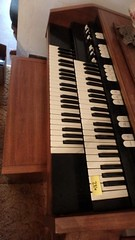 Hammond organ with bench | by BumblePuppySales