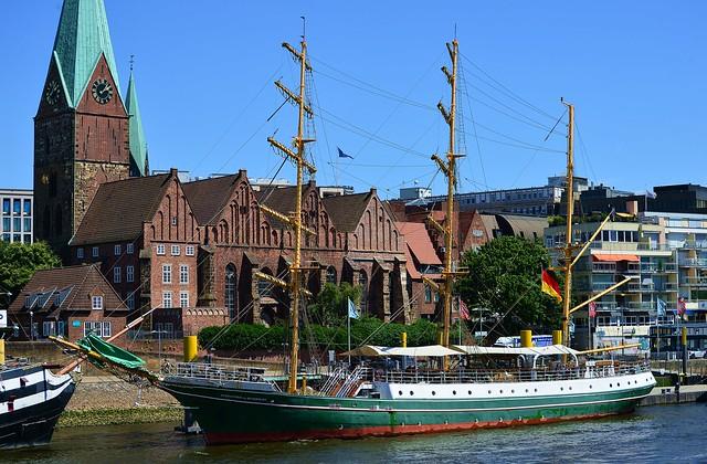 Bremen - Alexander von Humboldt