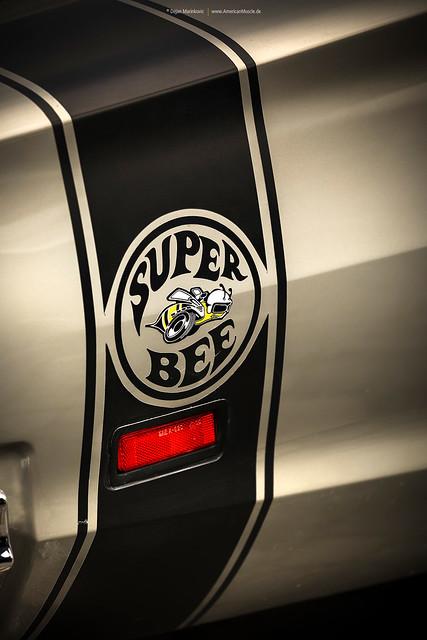 1969 Dodge Super Bee Bumble Bee Stripe