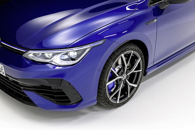 2022-VW-Golf-R-3-1