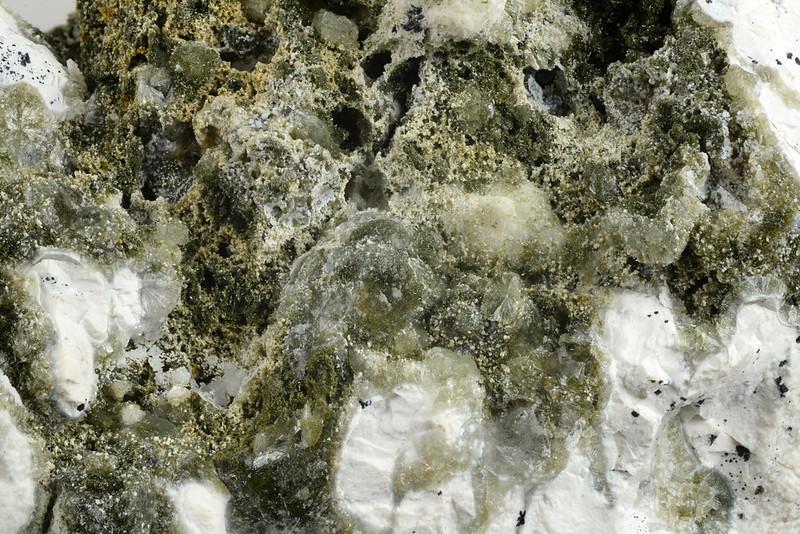 ジュルゴルド石 / Julgoldite