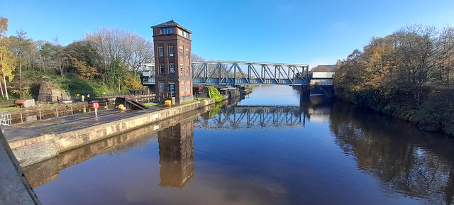 4th November 2020. Swing Bridges on the Manchester Ship Canal at Barton-upon-Irwell, Salford, Greater Manchester.