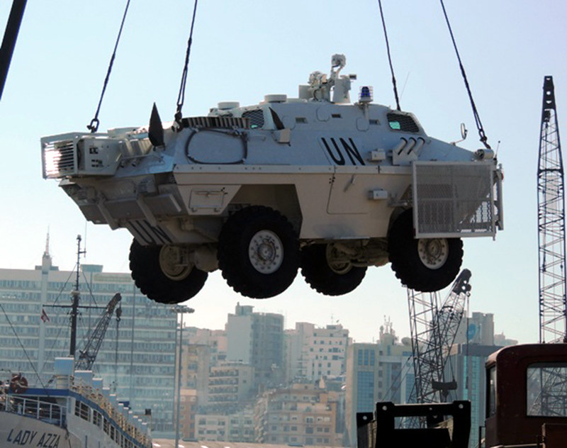 BOV-unifil-unloaded-in-beirut-20121127-mln-1