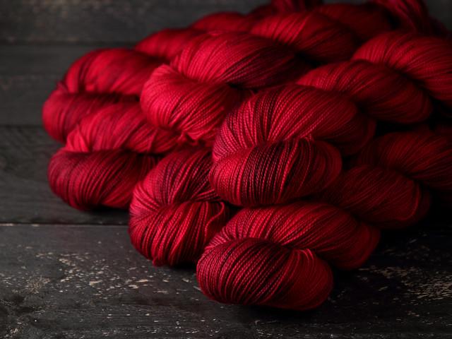 Favourite Sock – pure merino 4 ply/sock superwash wool hand dyed yarn 100g – 'Dahlia'