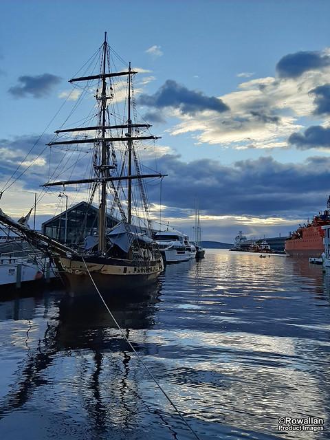 Tranquil morning light at Sullivan's Cove, Hobart