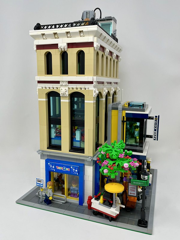 Mixed Use Corner Modular