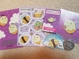 Tiny Party Club Spoopy Bees Box