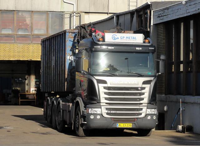 Scania G490 AL23236 has just unloaded a cargo of scrap