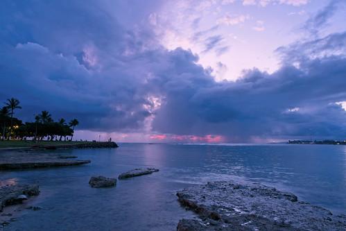 sony a6400 sigma 16mmf14 sunset clouds ocean oahu alamoana water sea sky honolulu hawaii haidaclearnightfilter