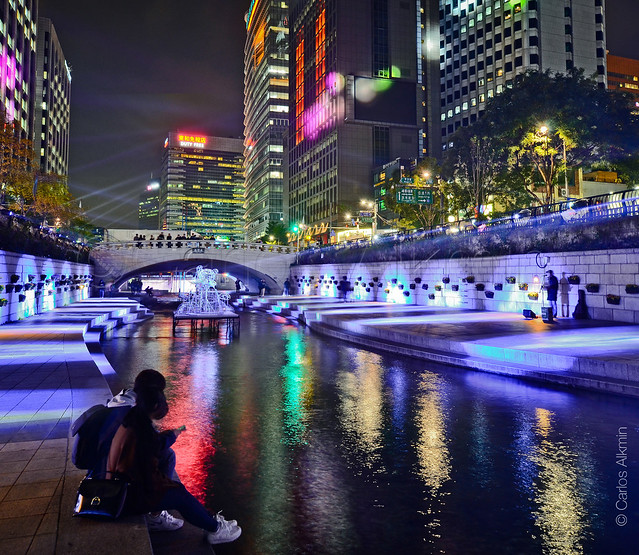 Seoul Lantern Festival, at Cheonggyecheon stream river banks and waterfront linear park. Awesome!
