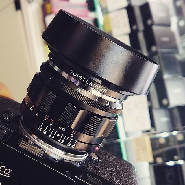 福倫達 50mm f1.2 雙非球面成就一代新福鏡皇