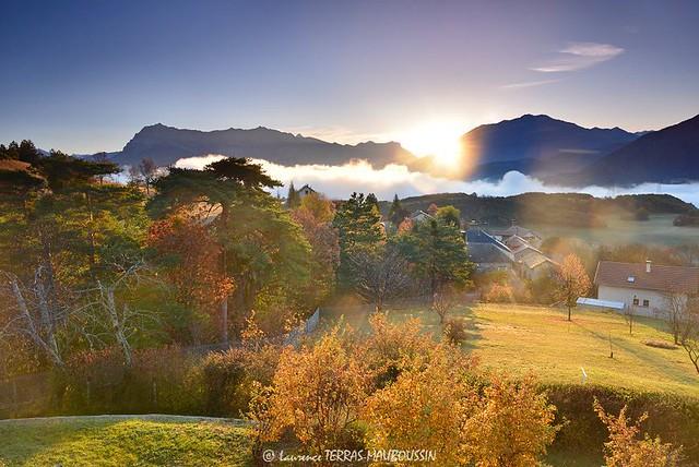 Lever de soleil sur Rousset / Sunrise over Rousset village