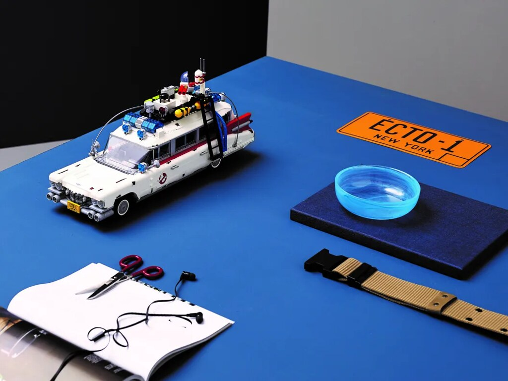 LEGO 10274《魔鬼剋星 未來世》ECTO-1 經典抓鬼車重出江湖!伴隨響亮警鈴聲再次奔馳