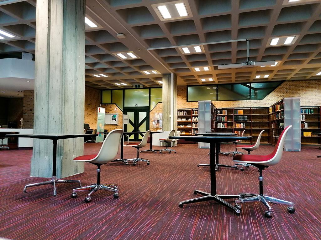 La segunda planta de la biblioteca Openbare