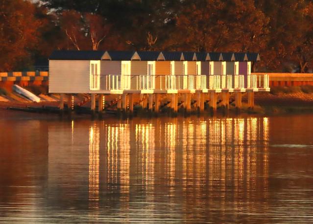 Heybridge Basin, Mill Beach Fishing Lodges