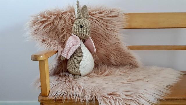 Roze vachtje roze gehaakt konijn